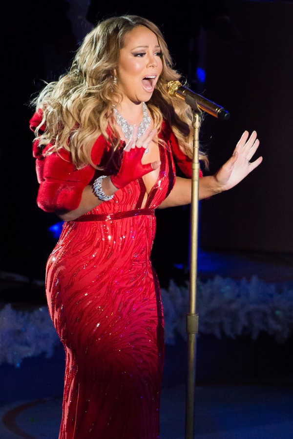 Mariah on stage at the Beacon Theatre