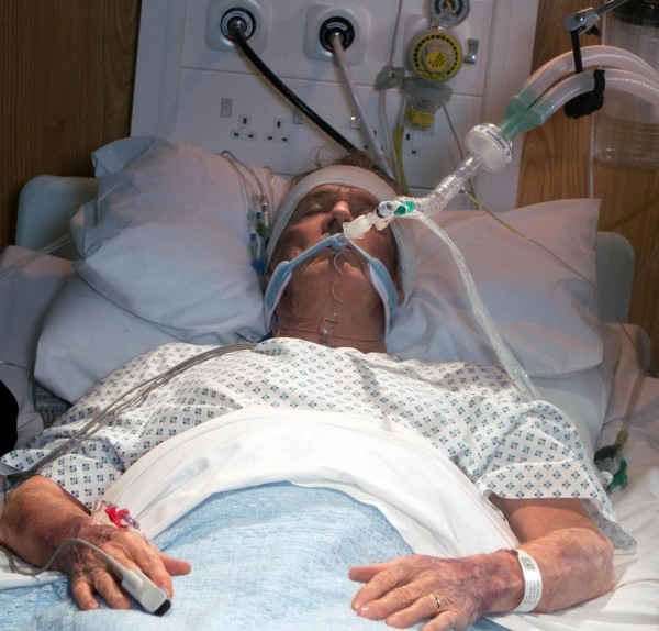 Ken Barlow in his hospital bed