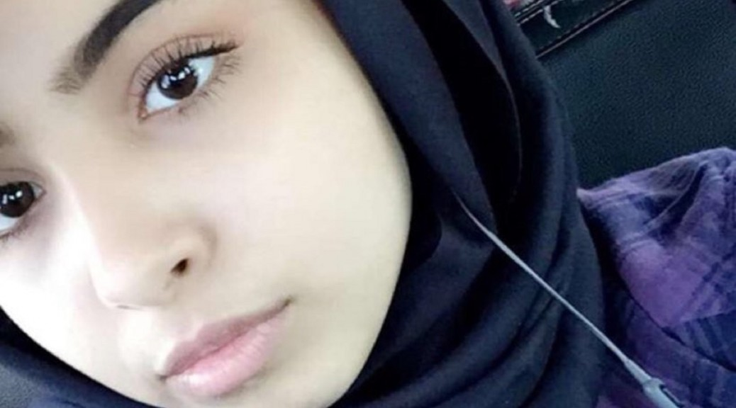 Muslim teen sets Twitter on fire over removing her hijab
