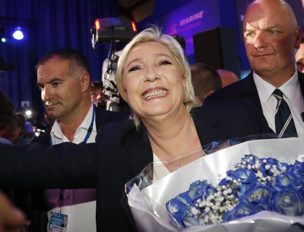 Le Pen's run-off campaign targets far left and right