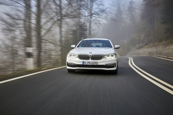 The 5 Series Touring retains its commanding presence on the road