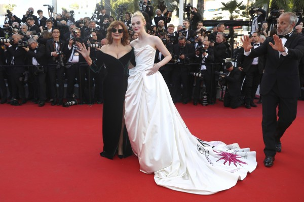 Actresses Susan Sarandon and Elle Fanning