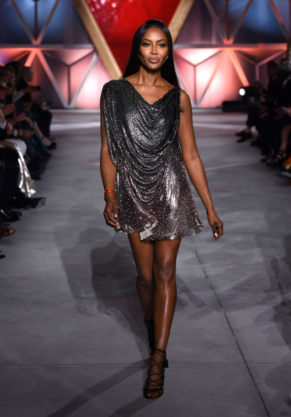 Naomi Campbell struts her stuff on Cannes catwalk in ...