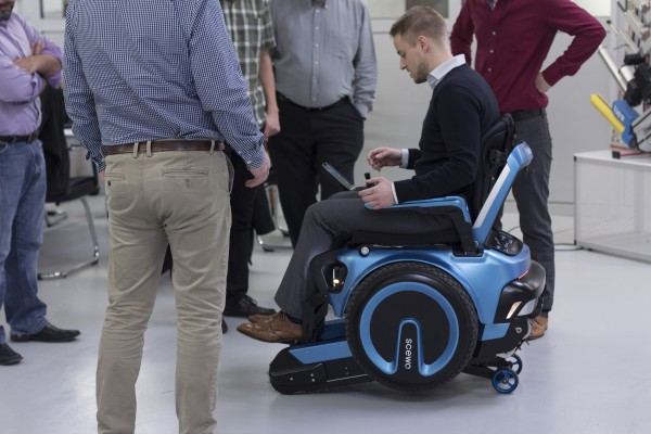 Electric wheelchair can climb stairs and go over uneven for Joystick per sedia a rotelle