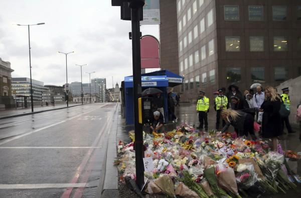 Victims tributes
