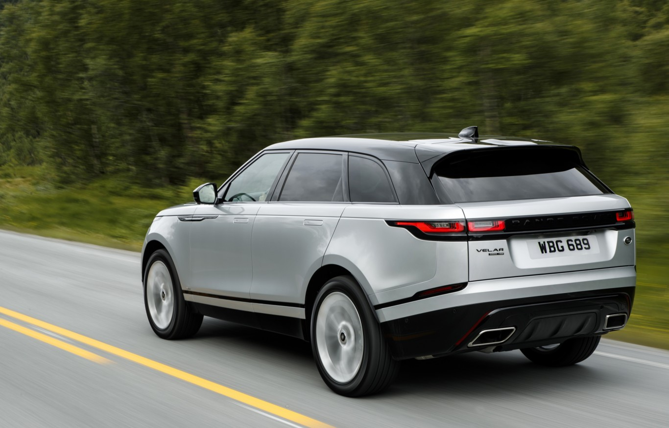 range rover 39 s velar sets a new standard for luxury suvs shropshire star. Black Bedroom Furniture Sets. Home Design Ideas