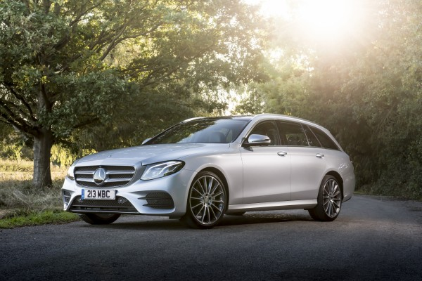 Mercedes benz recalls 400 000 uk cars express star for Mercedes benz road side assistance