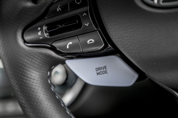 Drive mode buttons allow you to tailor the car's settings to your liking