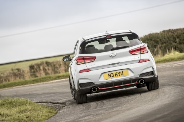Clever suspension keeps the i30 N level