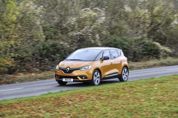 (Renault)