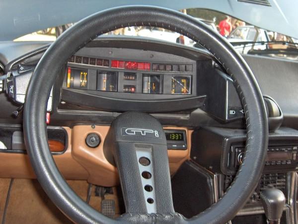 Citroen_CX_dashboard